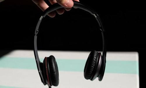 tai nghe chụp tai tốt