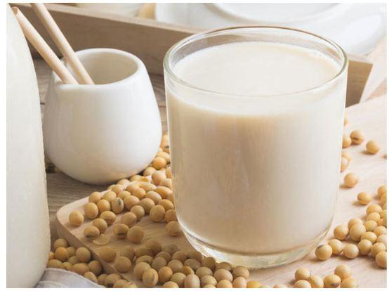làm sữa đậu nành bằng máy làm sữa hạt