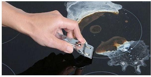 cách làm sạch mặt bếp điện từ