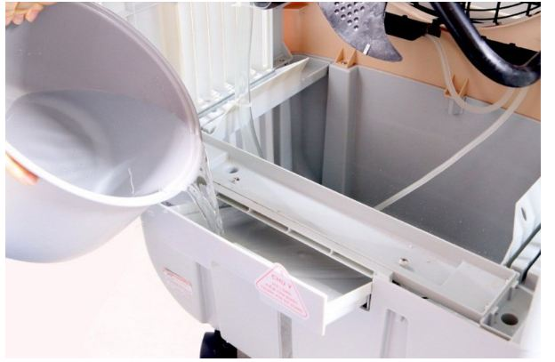 cách vệ sinh quạt điều hòa hơi nước